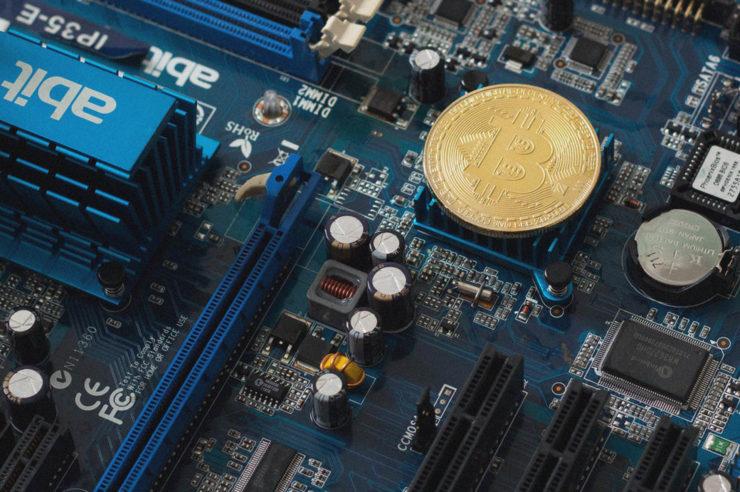 bitcoin arbitrage vs bitcoin mining