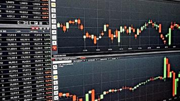 Weekend Round up: Bitcoin price holds ground above $5k mark; ETH, XRP shake 2