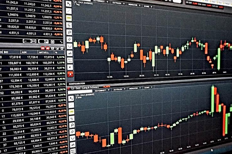Weekend Round up: Bitcoin price holds ground above $5k mark; ETH, XRP shake 1