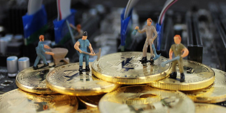 Bitcoin mining generates 8x more profit than the competition 1