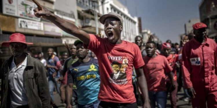 Uncertain economic conditions spur a Bitcoin frenzy in Zimbabwe 1