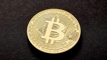 Would bullish divergence keep Bitcoin price above $10000? 5