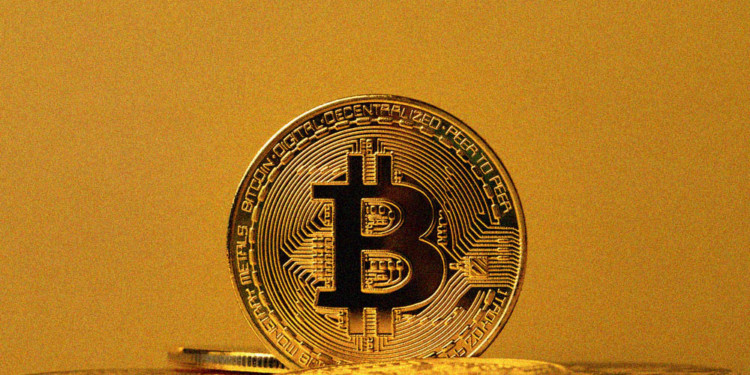 Bitcoin interest vs Gold high in all age groups- survey