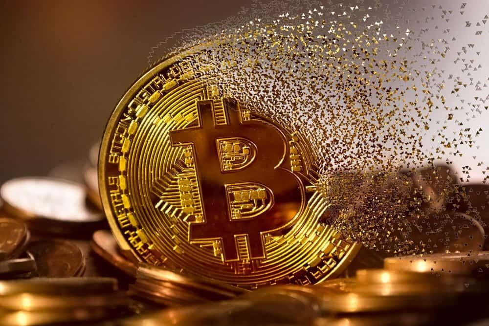 Despite Bitcoin's plunge by 3percent, analysts still optimistic