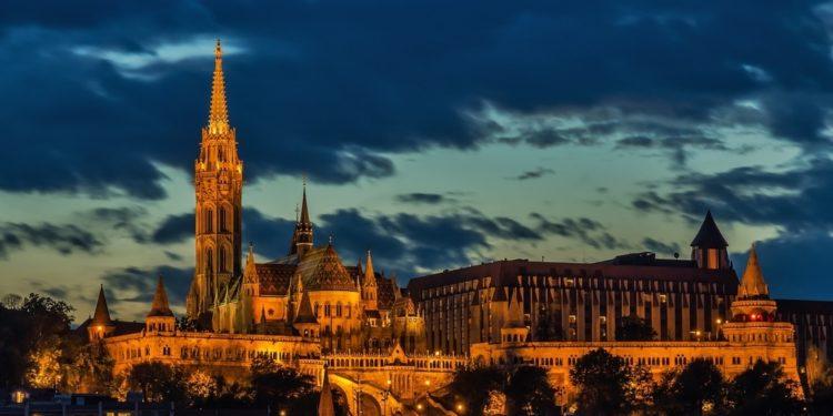 Hungary cash quarantine starts amid Coronavirus threats and a derailing economy