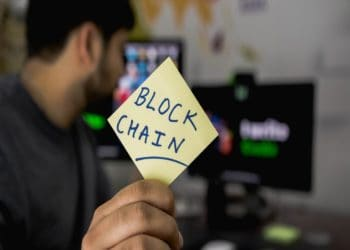 50% of people think F&B industry must adopt blockchain technology, report