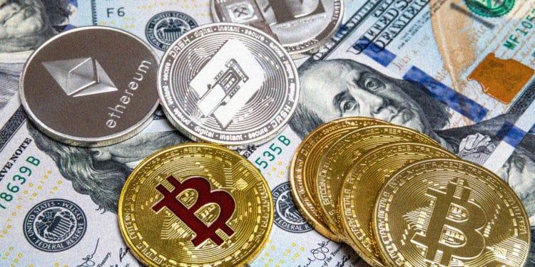 Bitcoin cash price movement in close pursuit of BTC