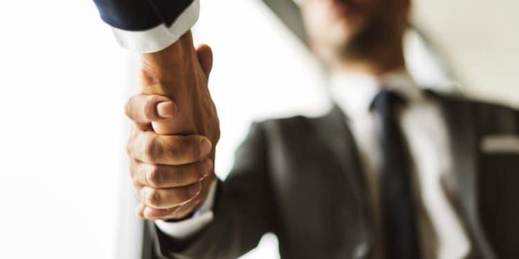 US banking regulator wants banks and crypto to band together
