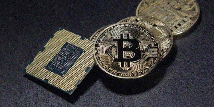 Bitcoin price rises above $9300, move towards $9800 next?